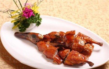 云南腾冲北海湿地草鸭1只(每只净重1千克左右,此鸭以食用水草和鱼虾为主,