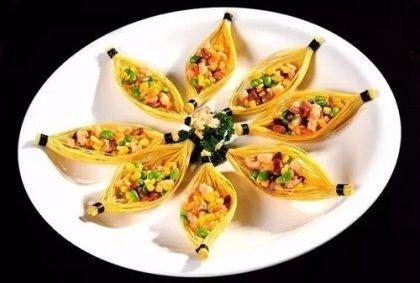 菜品配色有四种方法,但很多人只知道一种【重庆最有名的火锅底料】