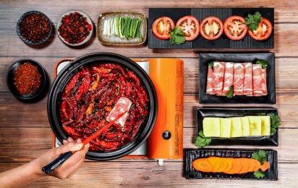 顾客吃饭确实是刚需,但为什么有些饭店十分冷清? 重庆最正宗的火锅底料