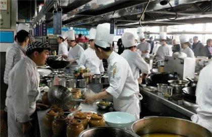 做厨师可不是件简单的事,每天要面对的食材、调料、工具、加热、调味、发酵