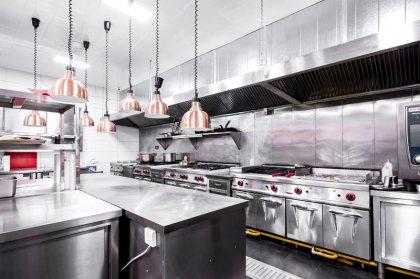 自动化清洗、机械化切菜等提高厨房车间生产效率的专业设备近年快速发展,符